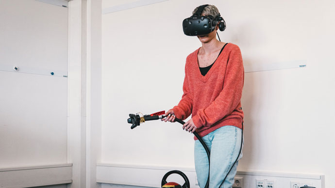 Virtual Reality, Virtuelles Feuerlöcher Training